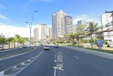 Obras são realizadas na Av. Tancredo Neves e trânsito sofre intervenções neste final de semana