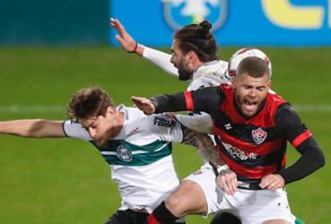 Vitória não segura Coritiba e perde a primeira sob o comando de Ramon Menezes