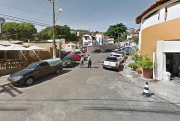 Dupla é presa após assaltar clientes em restaurante no Rio Vermelho